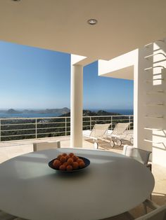 Architizer Blog » Building Of The Day: Richard Meier Completes First House Of What Will Be An All-Richard Meier Neighborhood