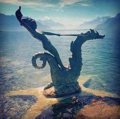 Save a cowboy ride a Seahorse!  Seahorse statue in Switzerland.