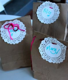 the cutest wrapping idea ever! (did somebody say nuf\' fighting with the wrapping paper?!)