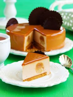 Caramel mousse cake with pears and chocolate.