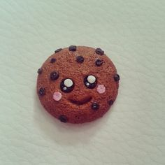 It's a handmade kawaii chocolate cookie from polymer clay :) ♥→→→my new online shop GLITTERPUFF will be opening soon with this pretty cookie! ←←←♥