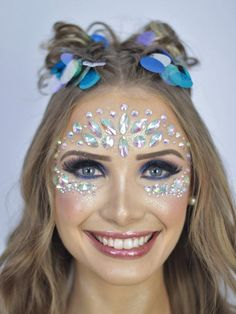 maquiagem de carnaval com strass, strass no rosto, maquiagem com strass, make com strass, cristais para colar no rosto, strass para maquiagem comprar, onde comprar pedras para maquiagem, maquiagem com pedrinhas, make com glitter, make carnaval