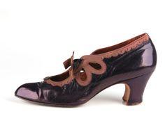 1912-1914 pumps via Shoe Icons.