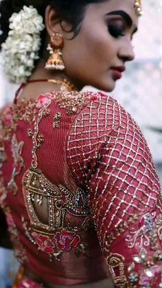 Silk Kurti Designs, Cotton Saree Blouse Designs, Wedding Saree Blouse Designs, Half Saree Designs, Choli Blouse Design, Blouse Designs High Neck, Hand Work Blouse Design, New Blouse Designs, Indian Bridal Fashion