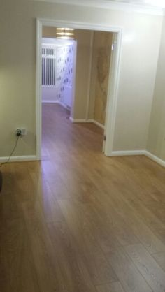 MURRAY  Laminate flooring  Wednesday's job  The end  Vale oak Flooring supplied by Floors4u