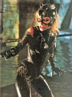 """""""Bueno, eso depende de que tan bien haya usted elegido"""". Ahí tiene usted por ejemplo, a Michelle Pfeiffer en el estelar de """"Batman Returns"""" (1992)."""