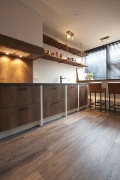 RTLWM Voorjaar 2016 afl. 6 De keuken is gemaakt door uw keuken speciaalzaak http://www.uwkeukenspeciaalzaak.nl/