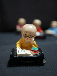 不需要懂,只要光念《十萬名懺》就行了,這是一個功德很大的法。 ~益西降措仁波切  There is no need to understand. Just reciting One hundred thousand Buddhas confession will be fine. This is a teaching with great merit. By YesheJamtso Rinpoche  大恩熱羅益西降措上師官方網站︰ http://www.yqsyxjc.org  大恩熱羅益西降措上師Facebook 專頁:  https://www.facebook.com/yeshejamtso  大恩熱羅益西降措上師Twitter: https://twitter.com/YesheJamtso