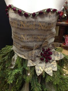 Sister 'Noel' Sew Much To Give: My Mannequin Dress Form Christmas Tree