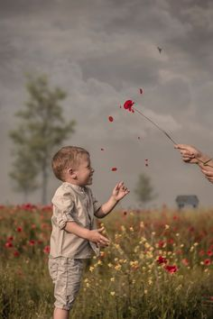 We Surprised The Awesomeness Of Childhood In A Poppy Field