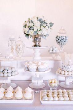 Dulces para bodas, postres boda, dulces para fiestas, mesas para fiestas, p White Dessert Tables, White Desserts, Elegant Dessert Table, Decoration Buffet, Dessert Table Decor, Deco Baby Shower, Bridal Shower, Wedding Sweets, Wedding Table
