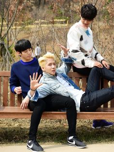 [Star Photos] VIXX on a spring day #N #Ravi #Hongbin