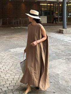 Vintage Fashion V-neck Suit Dress Look Fashion, 90s Fashion, Fashion Dresses, Vintage Fashion, Womens Fashion, Tienda Fashion, Look Street Style, Linen Dresses, Casual Chic