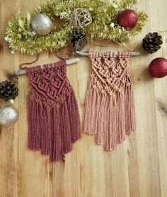 Mini Macrame Wall Hanging with Choice of Colors (Burgundy or Peach), Home Decor Macrame Cord, Macrame Knots, Micro Macrame, Macrame Wall Hanging Patterns, Macrame Plant Hangers, Free Macrame Patterns, Modern Macrame, Macrame Design, Macrame Projects