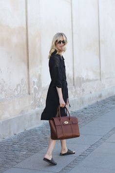 42feb7e8c18 You can t go wrong with a classic shirtdress and a timeless leather bag  Mulberry