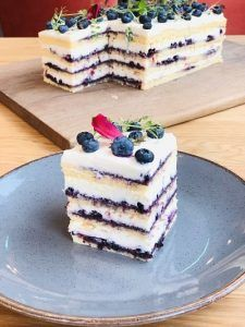 Best Pastry Recipe, Pastry Recipes, Cake Recipes, Dessert Recipes, Dessert Drinks, Fun Desserts, Romanian Desserts, Homemade Cakes, Something Sweet