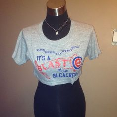 ♦️️Vintage Chicago cubs s-m shirt top midriff Smoke free home. I would say a Size s-m no tag though. Necklace not included. I'm on ♏️ercari. Tops