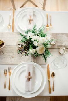 affordable tablescape designs // photo by Park Road Photography, design by Alisa Lewis Event Design // http://ruffledblog.com/easy-holiday-tables-by-alisa-lewis-event-design