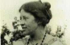 Ka (Katherine Laird) Cox, lover of Rupert Brooke whom she left for the painter, Henry Lamb. Edie Bouvier Beale, Rupert Brooke, Bloomsbury Group, English Writers, Most Handsome Men, Virginia, Literature, Told You So, Poet