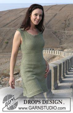 """Strikket DROPS kjole i glattstrikk og perlestrikk i """"Paris"""". Str S-XXXL. ~ DROPS Design. i hvit"""
