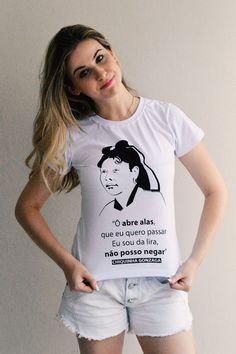 Camiseta Baby Look Chiquiha Gonzaga  Chiquinha Gonzaga foi compositora e pianista. Pioneira na arte do choro, Chiquinha é autora da primeira marcha carnavalesca com letra (Ô Abre Alas) e foi a primeira mulher a reger uma orquestra no Brasil.