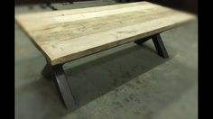 Steigerhouten robuuste balken tafel met stalen kruizen