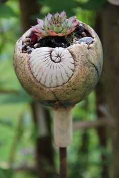 Gartenstecker Hauswurzkugel ✿ von Töpfereien im Landgarten auf DaWanda.com