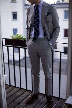 Suit and Tie Mens Fashion Blog, Fashion Mode, Fashion Outfits, Style Fashion, Dapper Gentleman, Gentleman Style, Dapper Man, Gentleman Shoes, Modern Gentleman
