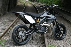 Monster_Honda_CR500_supermotard_07