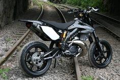 Monster_Honda_CR500_supermotard_07