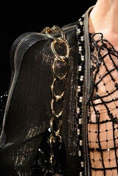 Details at Armani Prive Fall 2009 Couture
