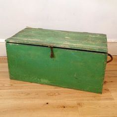 Vintage box painted with Annie Sloan chalk paint ™ in Antibes Green.