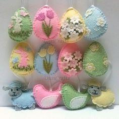 Decorazione di Pasqua feltro pastello - uova di feltro con fiori, uccelli e pecore / insieme di 12 o 24 Elenco è per 12 ornamenti -3 in bambino blu -3 nel colore giallo del bambino -3 in rosa confetto -3 in verde del bambino Si compone di 12 ornamenti: -8 uova ornamenti - 2 di ogni