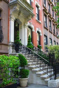 brick and limestone New York townhouse