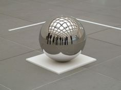 Spinning Ball - Jeppe Hein