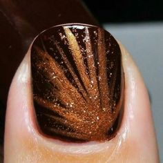 Make Beauty Nails: Sinful Colors 'Maghony' with StripRite copper nail stripers Fancy Nails, Love Nails, How To Do Nails, Pretty Nails, Diy Nails, Glitter Nails, Gold Glitter, Glitter Bomb, Orange Glitter