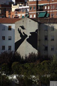 Street Art by Sam 3 Street Art Utopia, Street Art Banksy, Graffiti Art, Best Street Art, Amazing Street Art, Street Photography, Art Photography, Street Installation, Painting The Roses Red