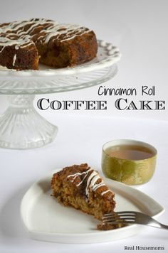 Cinnamon Roll Coffee Cake is the PERFECT sweet treat for breakfast or brunch! And that cream cheese glaze on top? Just Desserts, Delicious Desserts, Yummy Food, Yummy Yummy, Sweet Recipes, Cake Recipes, Dessert Recipes, Dinner Recipes, Cocoa