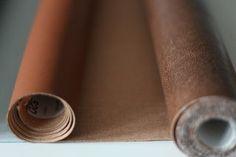 Welches Kunstleder ist für Taschen geeignet? Wo bekomme ich Kunstleder? Wie verarbeite ich Kunstleder? Mit welcher Nadel nähe ich Kunstleder? All diese Fragen versuche ich in diesem kleinen Kunstleder-Guide zu beantworten.