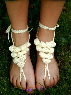 Ruffled Barefoot Sandal Pattern. $3.00, via Etsy.