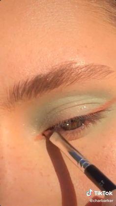 Prom Eye Makeup, Halloween Eye Makeup, Makeup Eye Looks, Creative Makeup Looks, Eye Makeup Art, Colorful Eye Makeup, Cute Makeup, Eyeshadow Looks, Skin Makeup