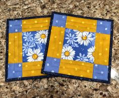 Quilted potholders hot pads Daisies Quiltsy handmade Item