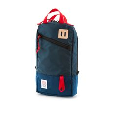 The Topo Designs Trip Pack fills the desire for a perfect sized bag for day trips, tucking necessities under the seat on a plane or just carrying a few things. Best Hiking Backpacks, Country Attire, Designer Backpacks, Backpack Straps, Herschel Heritage Backpack, Black Backpack, Laptop Backpack, Workout Gear, Travel Accessories