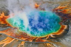 Yellowstone National Park, Wyoming.         Grand Prismatic Spring