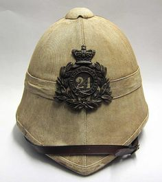 This reproduction Zulu war Foreign Service helmet has been made to look over 130 years old. The helmet has been treated with several coats of 'blanco' (whitening mixture) and then naturally aged to give a lovely yellow/tan patina. A superb piece of reproduced Zulu War history and made famous by the film 'Zulu'.