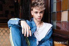 Before he was predicting the future of Why Don't We and selling out shows alongside his four besties, Corbyn Besson was just an aspiring singer doing what he Corbyn Besson, Future Boyfriend, To My Future Husband, Why Dont We Imagines, Why Dont We Band, One Of The Guys, Zach Herron, Jack Avery, Boy Bands