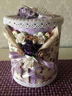 Randis hobbyverden: Gaveboks i lilla med korsett Spool Crafts, Tin Can Crafts, Denim Crafts, Bottles And Jars, Glass Bottles, Mason Jars, Pringles Can, Old Boxes, Altered Boxes