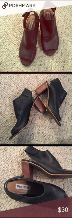 Steve Madden leather peep toe booties Worn only once. Great condition. Black Steve Madden peep toe booties. Snap buttons around ankle. Chunky wood heel. Very versatile! Steve Madden Shoes Ankle Boots & Booties