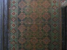 1906 Edwardian antique floral linoleum flooring in Sheffield house's hallway Victorian Hallway, Linoleum Flooring, Sheffield, Victorian Homes, Fixer Upper, Foyer, Bohemian Rug, Restoration, Antiques