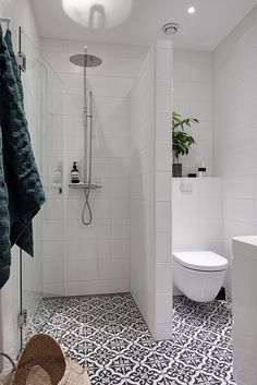 Appealing Ideas For A Small Bathroom At Shower Design Ideas Small Bathroom Regarding Home Bedroom Idea Small Bathroom Layout, Simple Bathroom, Bathroom Modern, Small Basement Bathroom, Bathroom Design Layout, Bathroom Images, Contemporary Bathrooms, Small Bathroom Designs, Space Saving Bathroom